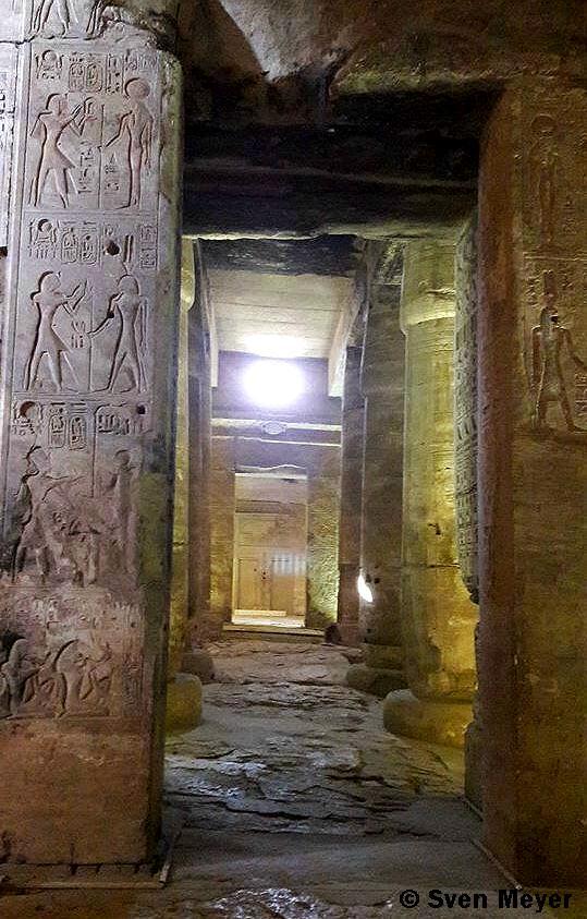 Tempel innen 2