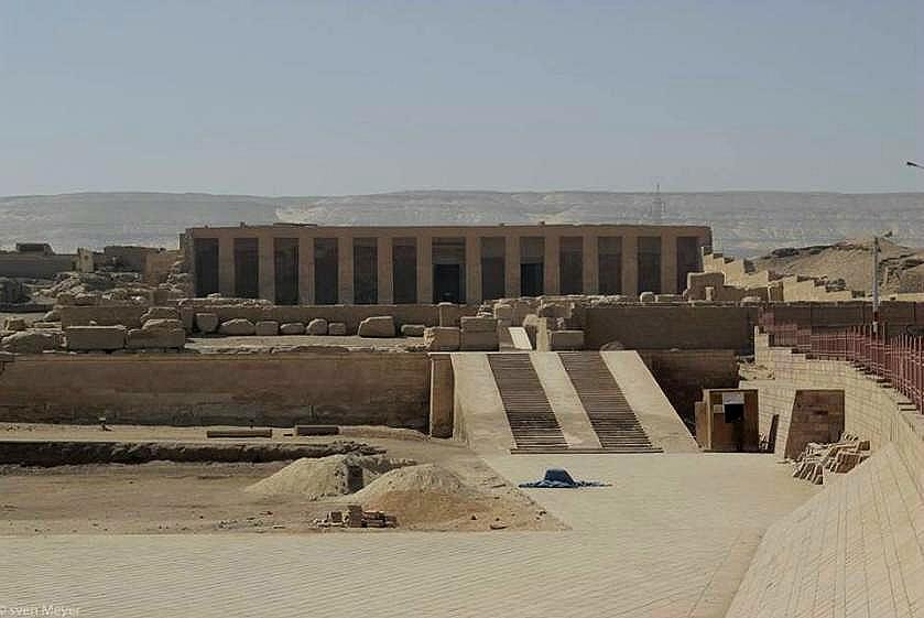 tempel außen komplett